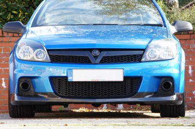 Astra VXR Carbon Fibre Front Splitter and V Grille