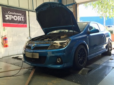 Astra H VXR Trackday Car Being Mapped